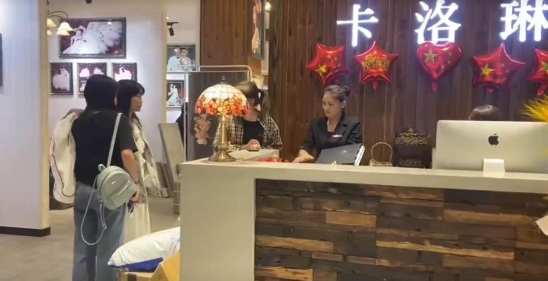 日照市莒县芊慕嫁衣礼服馆---婚纱礼服租赁